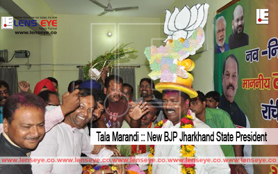 Ranchi, Jharkhand 21 May 2016 :: BJP leader Tala Marandi welcomed by party leaders after appointed him as Party State President at State head office in Ranchi on Saturday. Photo-Ratan Lal