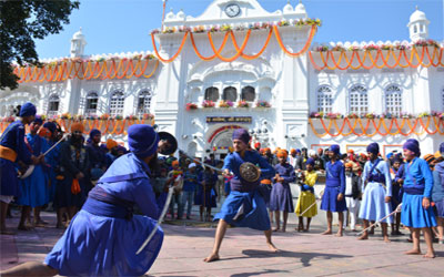 Lens Eye Special :: Gatka on occassion of Hola Mohalla.