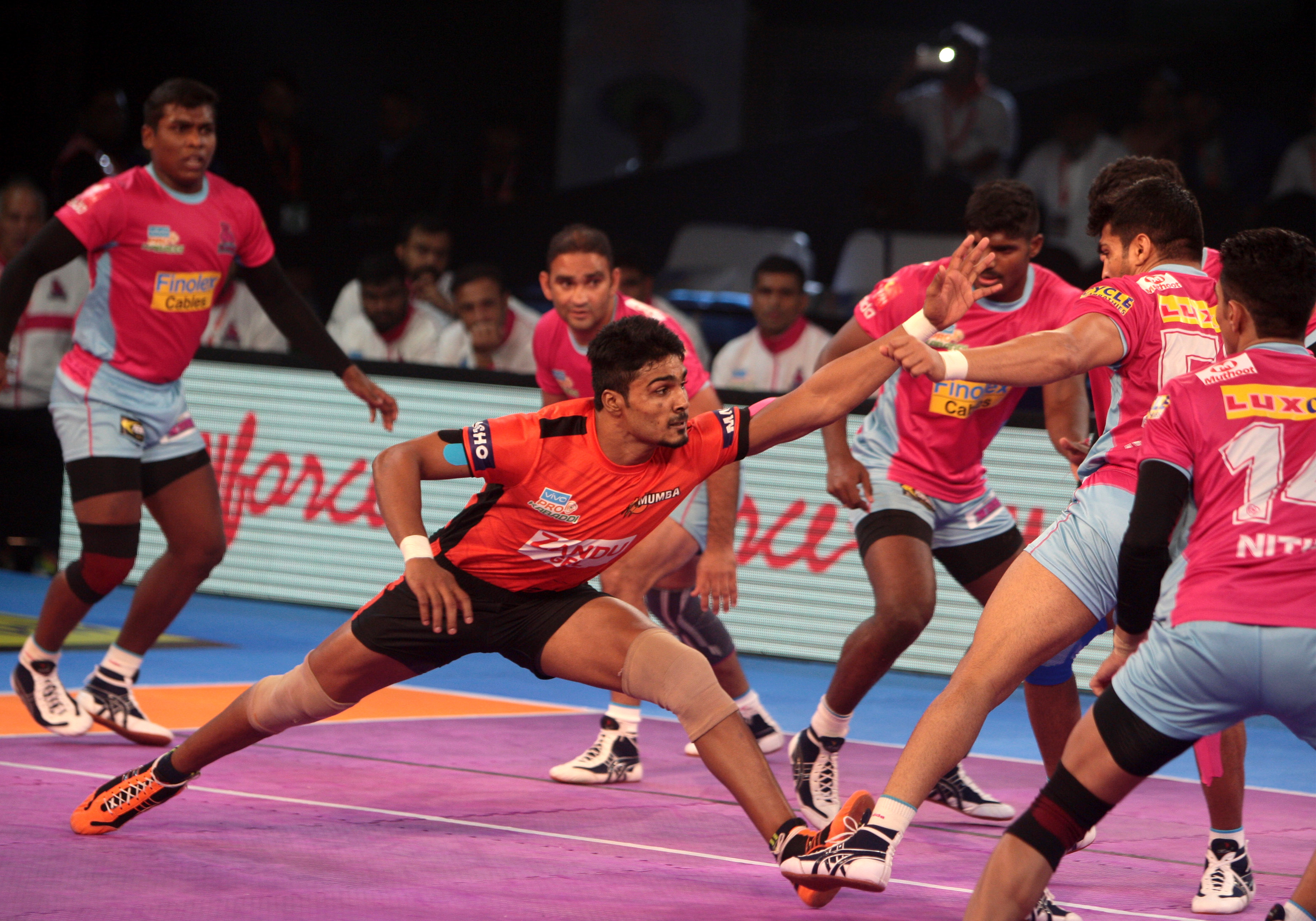 U Mumba beat Jaipur 36-32 in a thrilling encounter