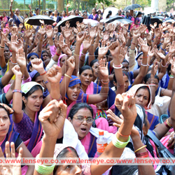 Protest Dharna ::Jharkhand State Anganwadi Workers Union.