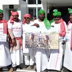 Jharkhand :: Protest by Oppasition MLAs against CNT and SPT Act