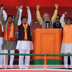 Taking plough on the shoulder, not gun, brings hariyali : Narendra Modi