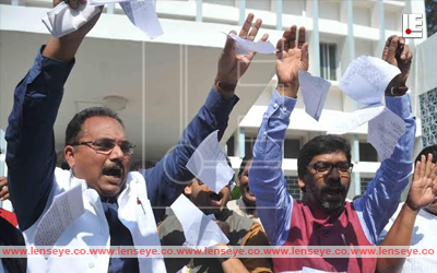 Jharkhand Assembly :: Protest by Opposition