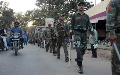 Eve of Jharkhand bandh :: March by Police Jawan