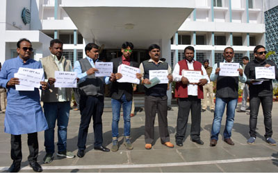 Jharkhand :: Protest by Opposition MLAs against CNT & SPT Act